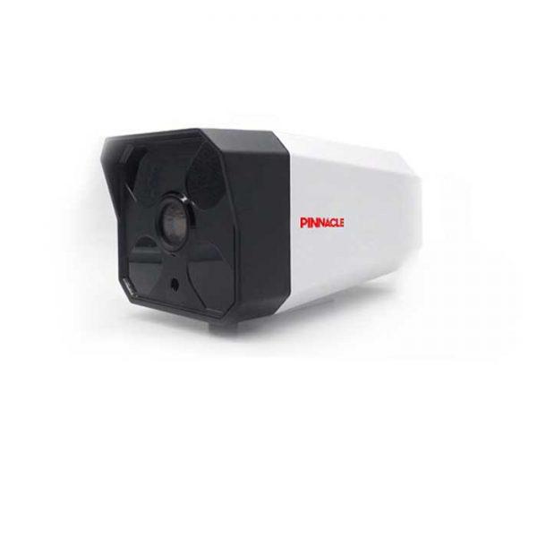 دوربین مداربسته PHC-P۴۲۲۵ : از سری حرفه ای و دارای سنسور Sony می باشد. دوربین بالت ۲ مگاپیکسل Turbo HD پیناکل مدل PHC-S4225 دارای سنسور Sony CMOS می باشد. این دوربین با داشتن فیلتر به صورت مکانیکی True Day/Night آماده ضبط تصاویر حتی در فضای کم نور می باشد . دوربین های Turbo HD پیناکل، قابلیت پشتیبانی از ۴ تکنولوژی رایج سیستم های مداربسته را داراست، این بدین معناست که شما می توانید با انجام تنظیمات آن خروجی تصویر خود را به صورت HD-TVI، HD-CVI، AHD و آنالوگ داشته باشید. این دوربین دارای منوی OSD برای کاربری راحت منو و نیز قابلیت IR هوشمند برای دید در شب تا فاصله حداکثر ۴۰ متر می باشد. دید در شب و روز اینگونه لنزها قادر هستند با نو ۰.۱ لوکس و حتی در تاریکی مطلق نیز با سوئیچ با وضعیت سیاه و سفید به کار خود ادامه دهند و تصاویری با کیفیت ضبط کنند. با توجه به استاندارد IP66 بدنه مقاوم آنها امکان ورود آب و گرد غبار را به داخل دوربین نمی دهد. این دوربین ها معمولا بدنه ای فلزی دارند. دوربینی که دارای استاندارد IP66 باشد (در آب غوطه ور نکنید!) استفاده از دوربین هایی با این قابلیت معمولا در فضاهای بیرونی و مکان هایی که امکان خوردن آب و گرد غبار زیاد به دوربین وجود داشته باشد صورت می گیرد. دوربین مداربسته Turbo HD پیناکل مدل PHC-P4225 سنسور Sony CMOS با عملکرد بالا قابلیت پشتیبانی از تکنولوژی های TVI,CVI,AHD و آنالوگ خروجی آنالوگ HD، تا رزولوشن ۲ مگاپیکسل فیلتر مکانیکی True Day/Night دارای لنز ثابت ۲.۸ و ۳.۶ میلیمتر دارای قابلیت Digital Wide Dynamic Range کاهش نویز دیجیتال (۳D-DNR) مجهز به IR هوشمند پشتیبانی از Motion Detection و Privacy Zone با قابلیت دید در شب تا فاصله حداکثر ۴۰ متر استاندارد IP66 برای مقاومت در برابر مایعات ،گرد و غبار